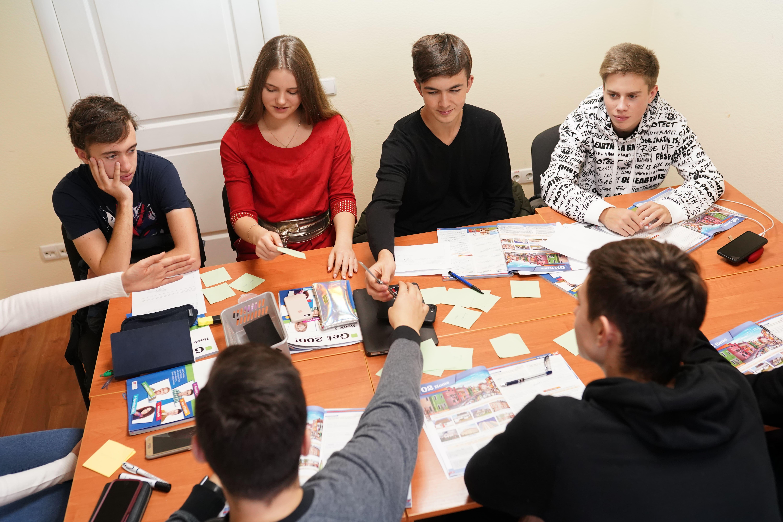 Частная школа Киев, Предпринемательство